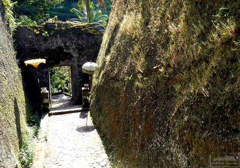 Гунунг-Кави: вход