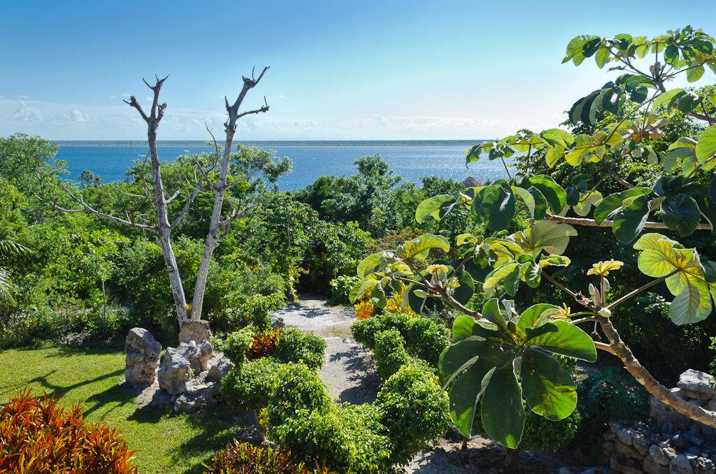 Фото 7. Вид на Laguna Bacalar с крыши хозяйского домика экологического отеля Active Nature. Отчет о путешествии по Мексике на автомобиле. 1/125, 11.0, 125, 18.