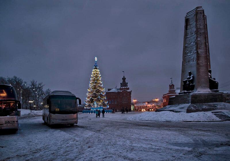Соборная площадь Рождественским вечером.