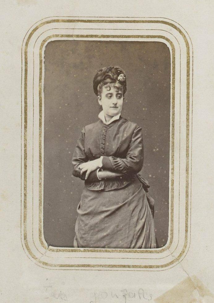 Сюзанна Леенхофф (в замужестве Мане, 30 октября 1829, Дельфт - 8 марта 1906, Париж) - пианистка, модель и жена художника Эдуарда Мане