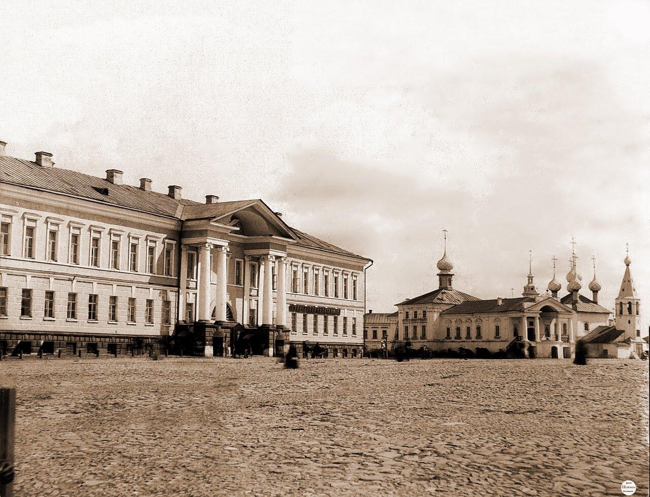 Присутственные места и церкви на площадке