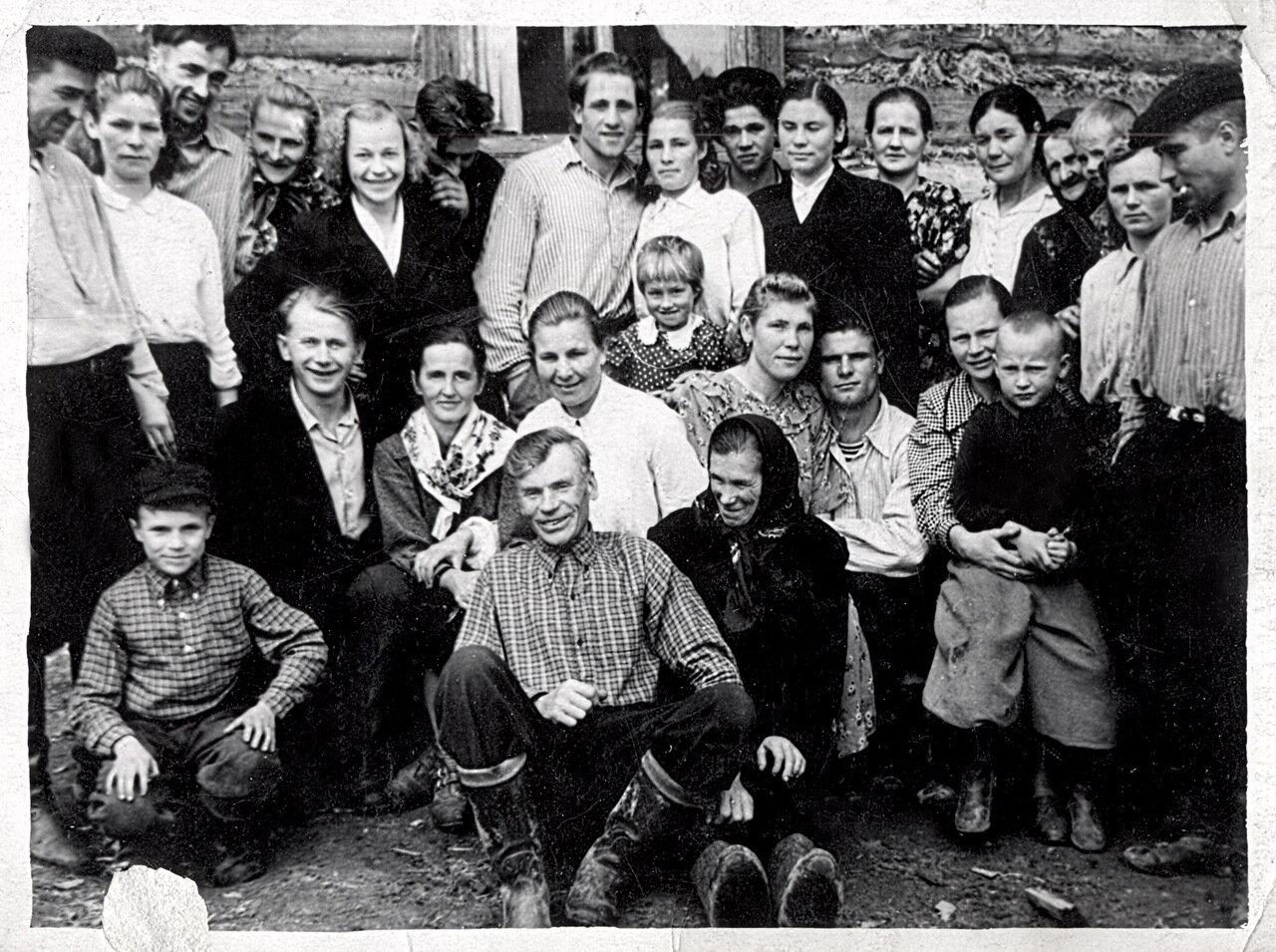 1956 год. д.Поддубье.