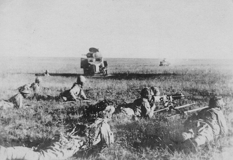Подбитые б/а БА-10. Халхин-Гол, 1939 год.