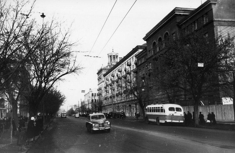 1954.12. Улица Красноармейская