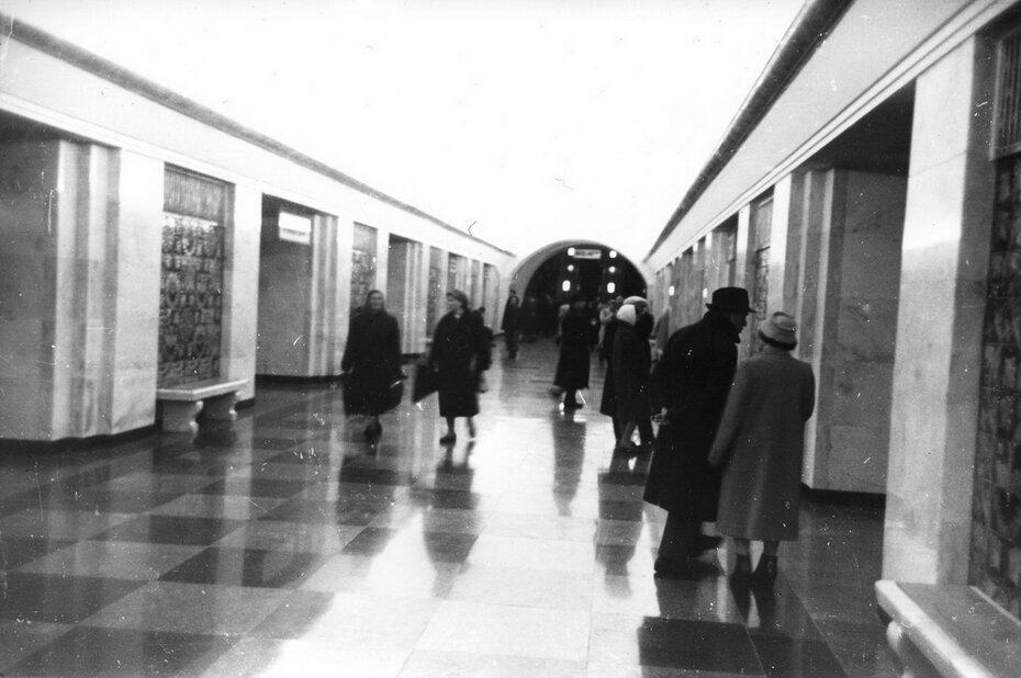 1961.01. Внутренний вид станции метро Хрещатик