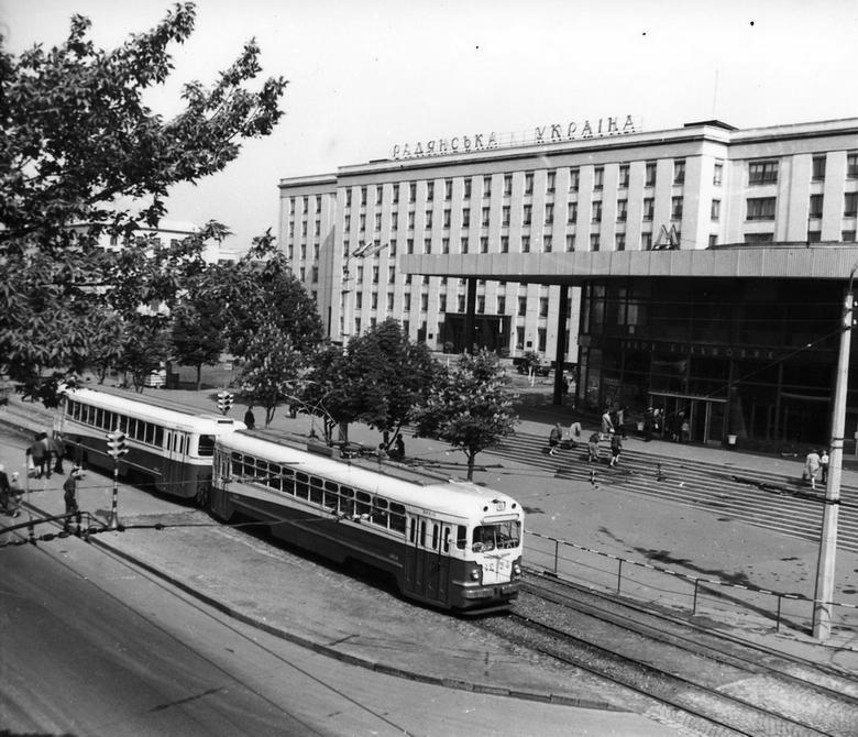 1960-е. Станция метро Завод Большевик (сейчас станция метро Шулявская). Фото: Белозеров С.