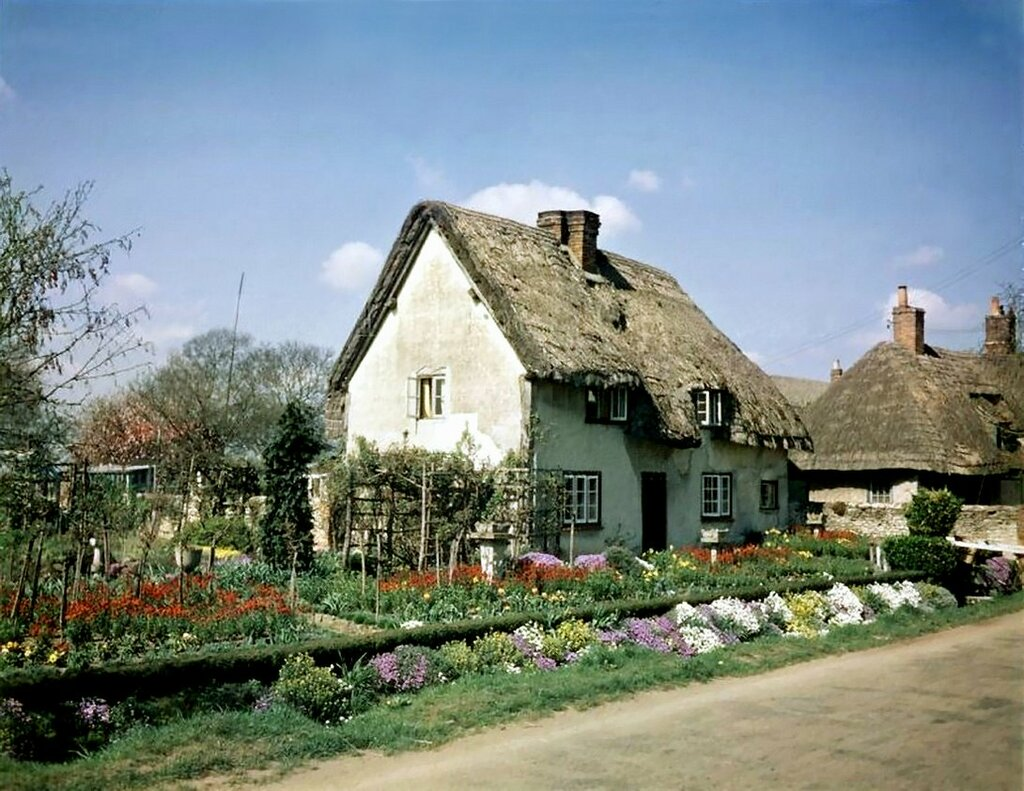 mothers countryside cottage - 736×568