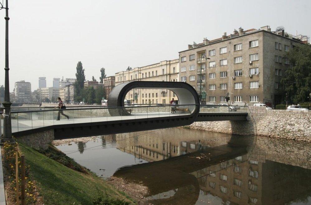 Пешеходный мост в Сараево
