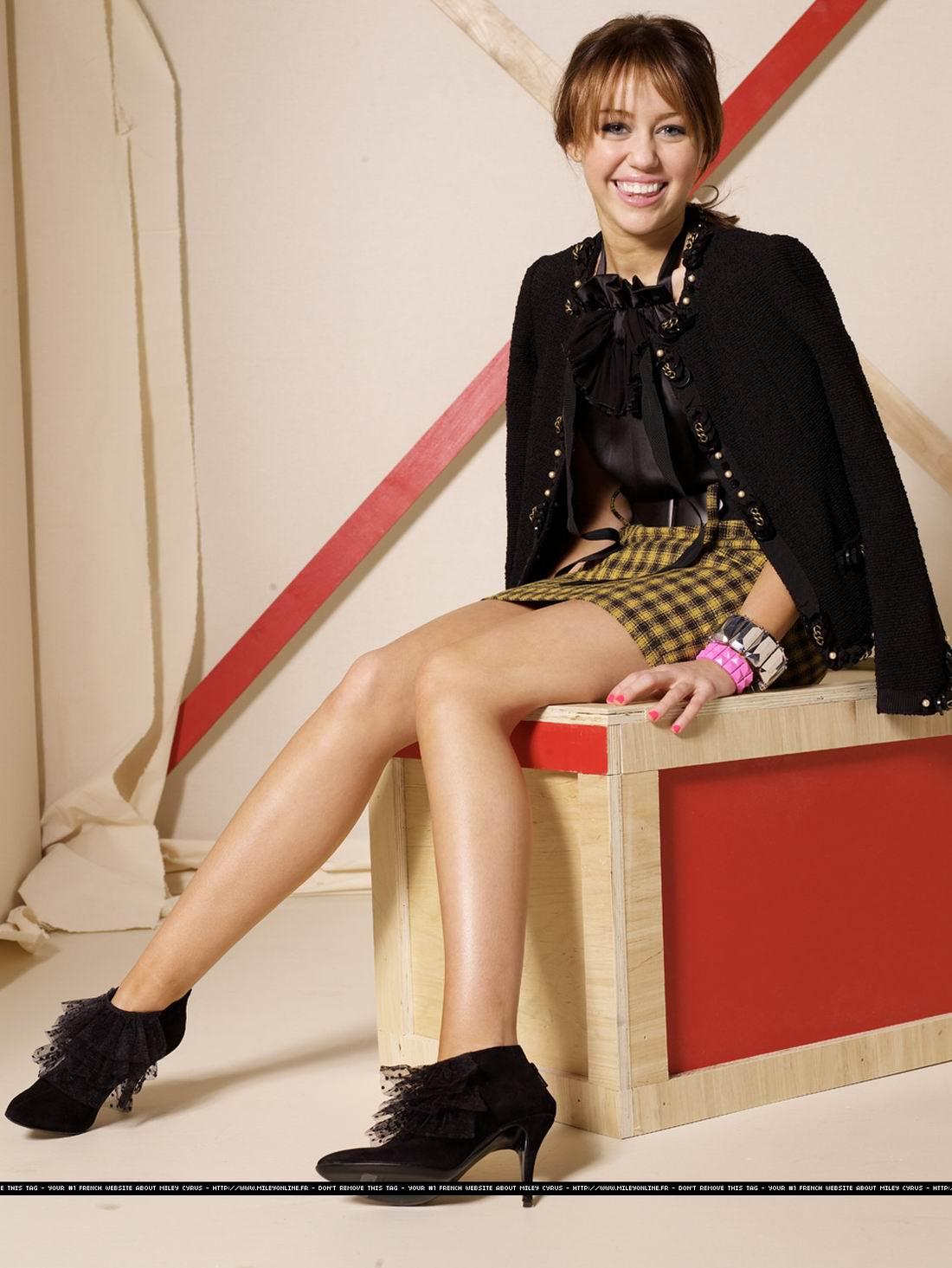 Майли Сайрус (Miley Cyrus) фото в журнале Seventeen, сентябрь 2008
