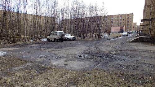 Фото города Инта №4372  Воркутинская 15, 13 и двор Мира 43 07.05.2013_13:26