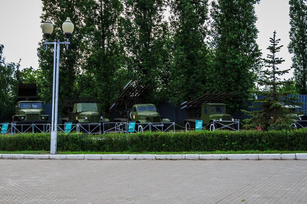Катюши на входе в парк Победы