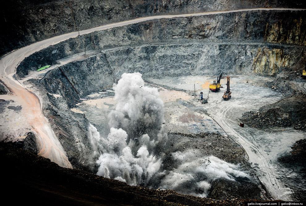 25. В декабре 2014 года был сдан в эксплуатацию первый пусковой комплекс подземного рудника и получе