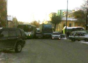 Движение по улице Дзержинского было полностью блокировано из-за ДТП 2