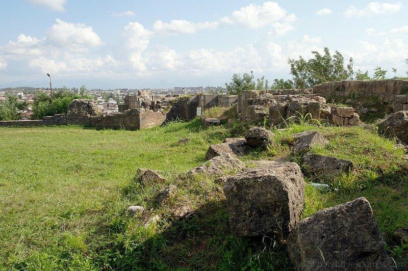Руины древнего города. Кутаиси - одно из предполагаемых мест столицы царя Ээта