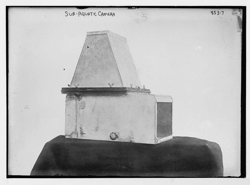 Sub-aquatic camera.