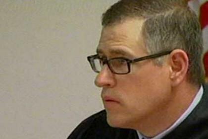 Судья оштрафовал сам себя за зазвонивший на слушаниях телефон