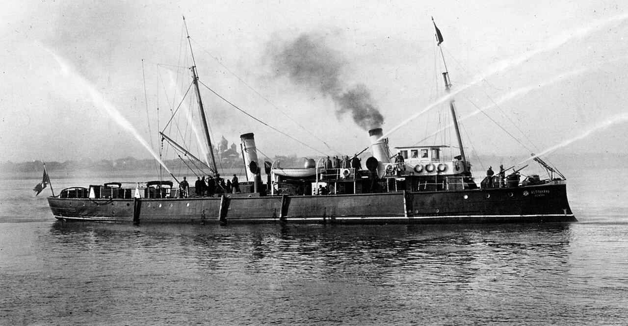 Служебный пожарный пароход Астрахань