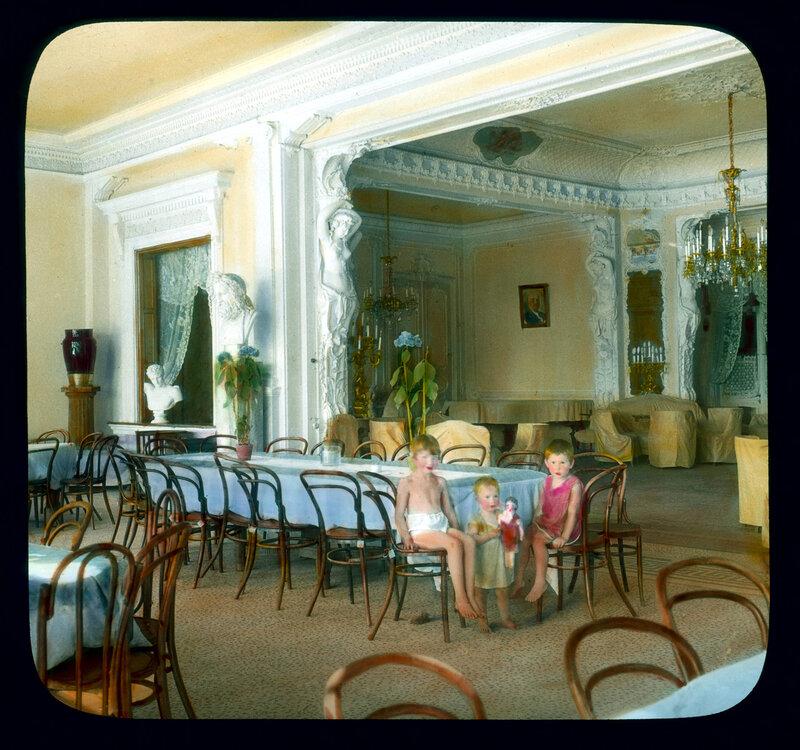Санкт-Петербург. Елагин дворец, преобразованый в рабочий клуб