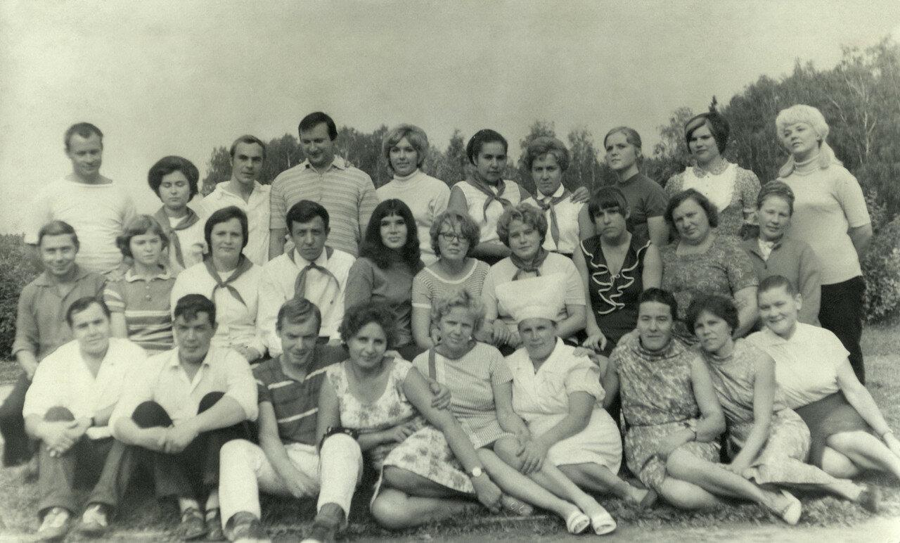 Фотки девок в пионерском лагере фото 654-118