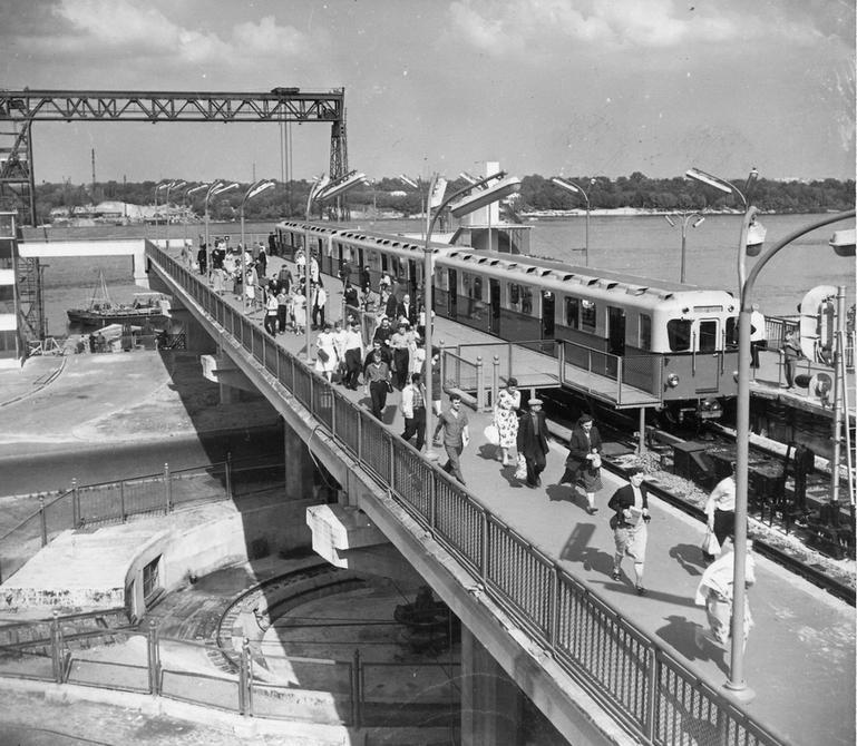 """1961.06. Станция метро """"Днепр"""""""