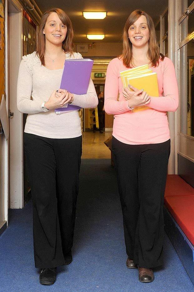 Школьные учительницы-близняшки с секретом
