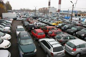 Автомобильный рынок Петербурга не может выдержать Российских темпов
