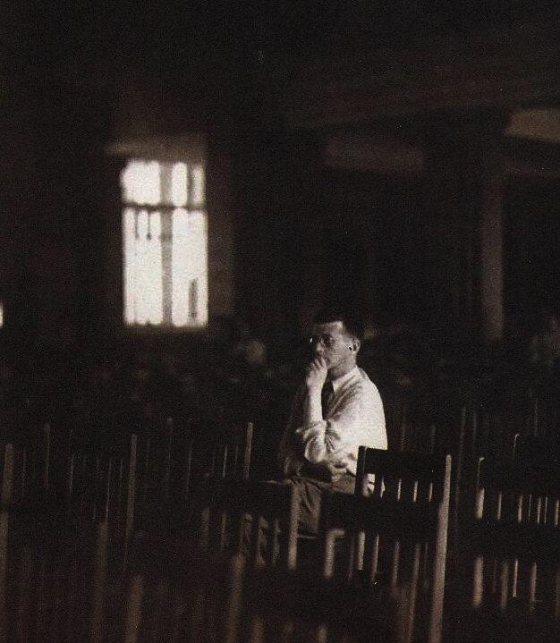 Дмитрий Шостакович в блокадном Ленинграде, 1942 год.