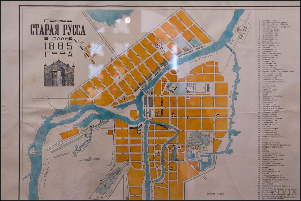 Тут находится карта города, каким он был во времена Достоевского.