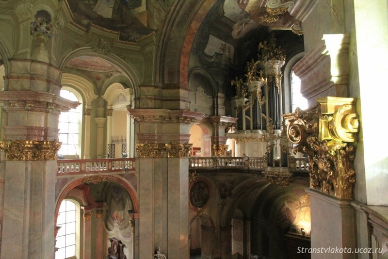 Прага, Мала Страна, Собор Святого Микулаша