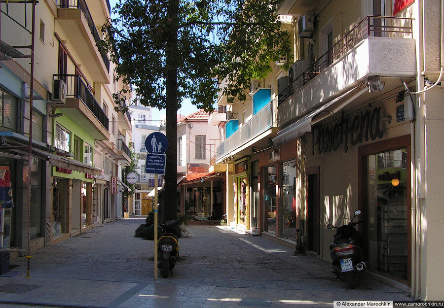 Улица в Ираклионе | A street in Heraklion