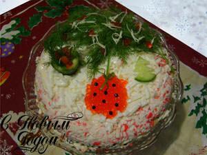 закусочный торт с крабовыми палочками
