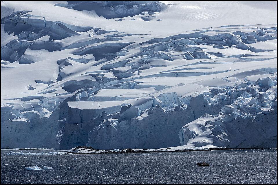 Антарктический полуостров. Ледники под солнцем.jpg