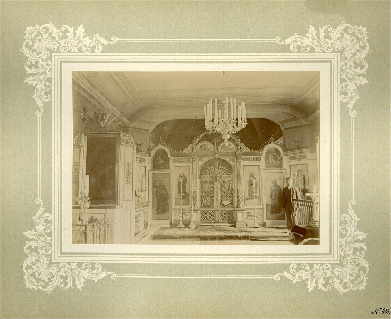 Иконостас церкви Воскрешения праведного Лазаря
