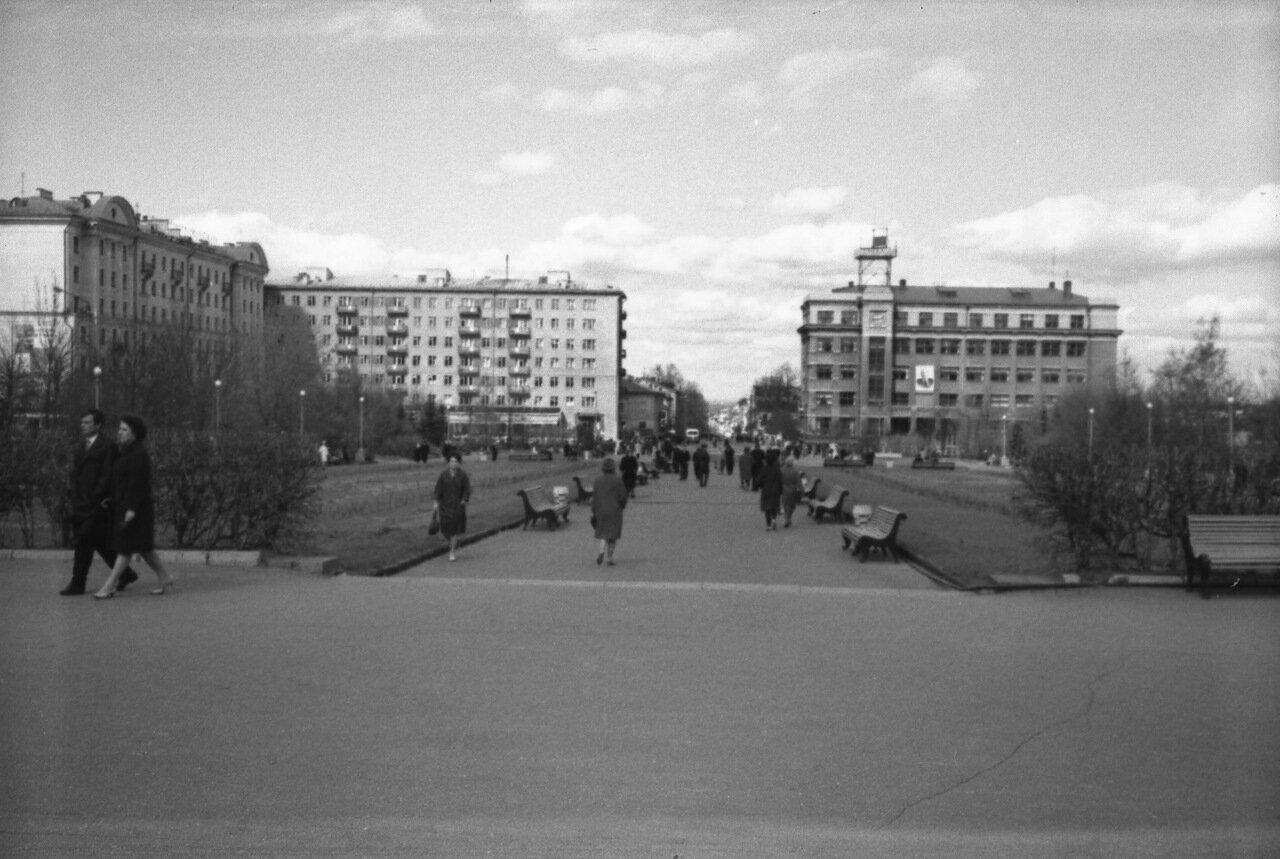 Площадь Горького. Дом связи