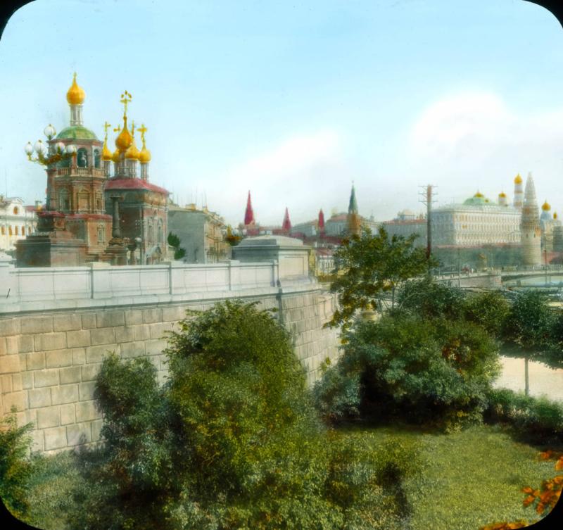 Москва. Вид на город с Кремлем и Москвой-рекой