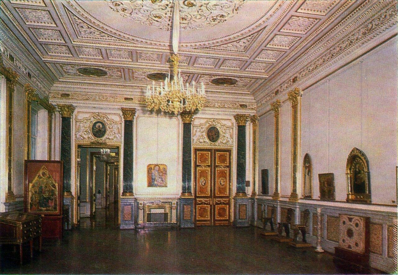 Зал искусства раннего Возрождения в Старом Эрмитаже