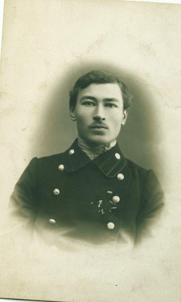 Александр Колобов