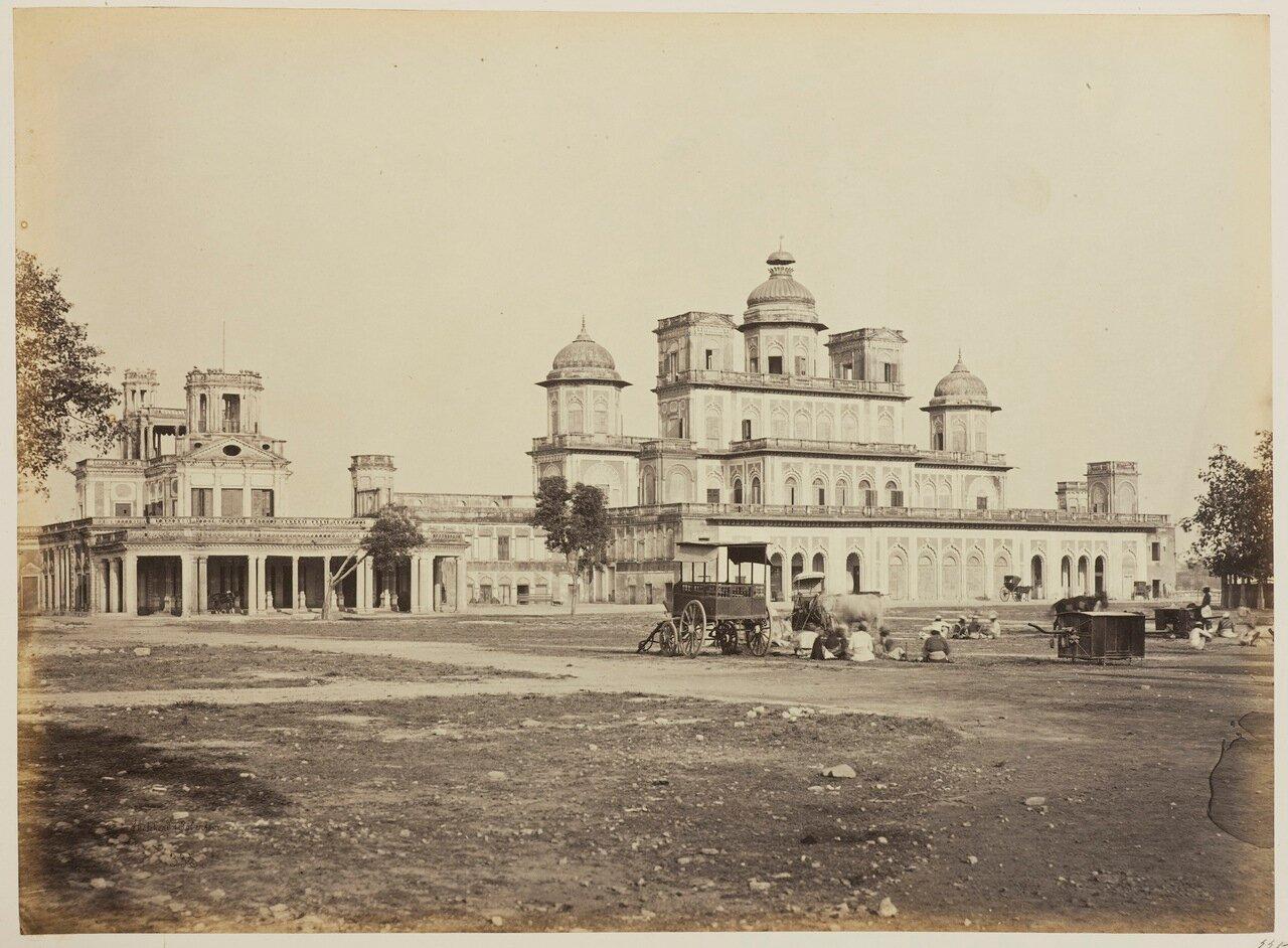 Бара Чаттар Манзил и Фархат Бахш, вид с юга