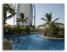 ОАЭ. Дубаи. Jumeirah Beach Hotel. Pool