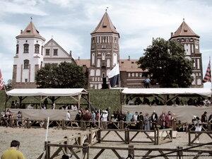 рыцарский турнир в Мирском замке