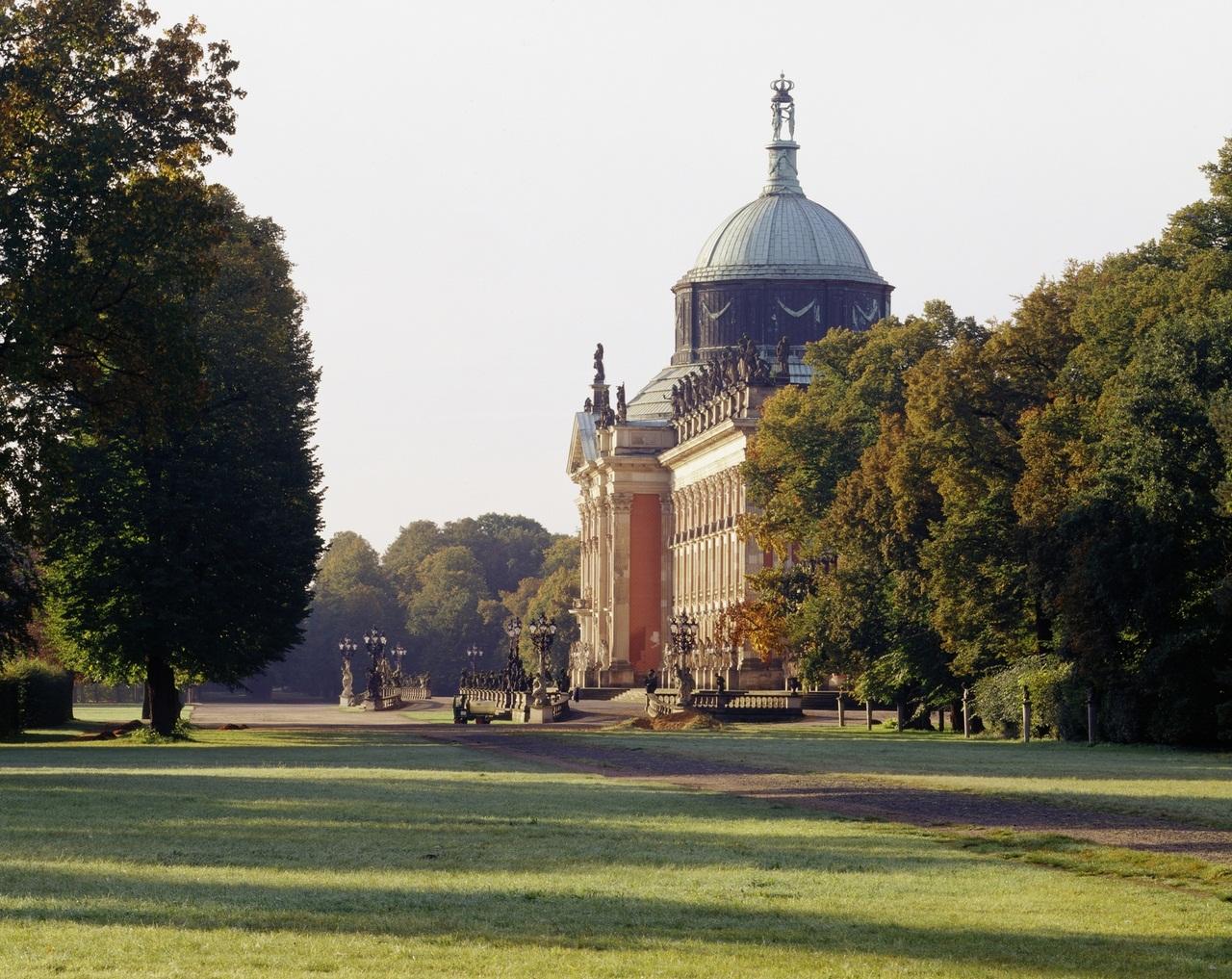 Potsdam, Park Sanssouci, Neues Palais, Blick von Norden.