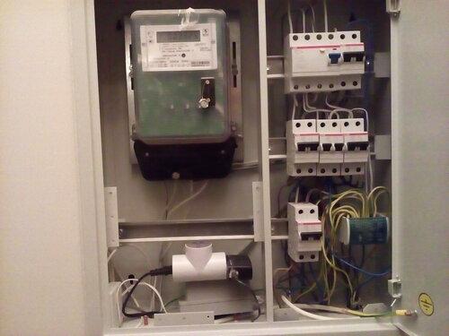 Вызов электрика аварийной службы в мини-отель