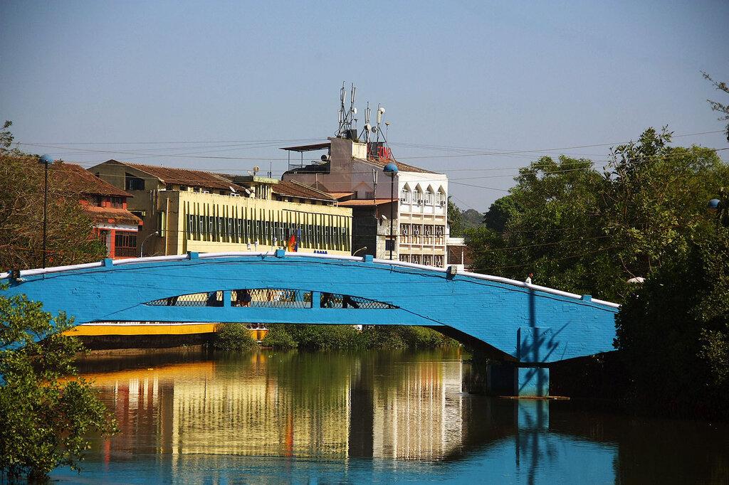 мост через Оурэм крик Панаджи ГОА