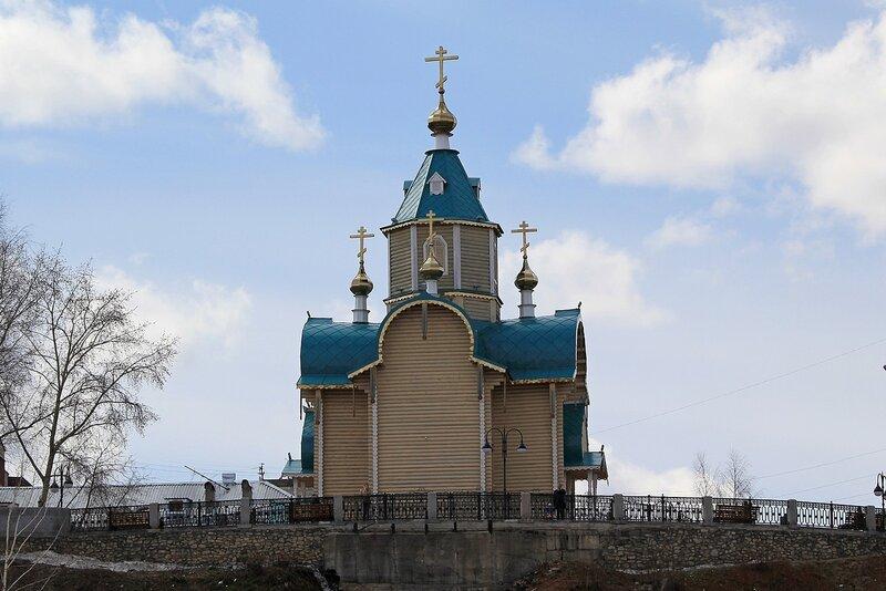 Федоровская церковь, вид с реки