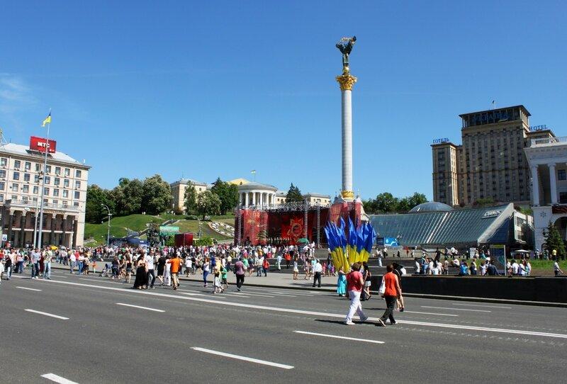 Зрители концерта Дня Победы 2013 в Киеве