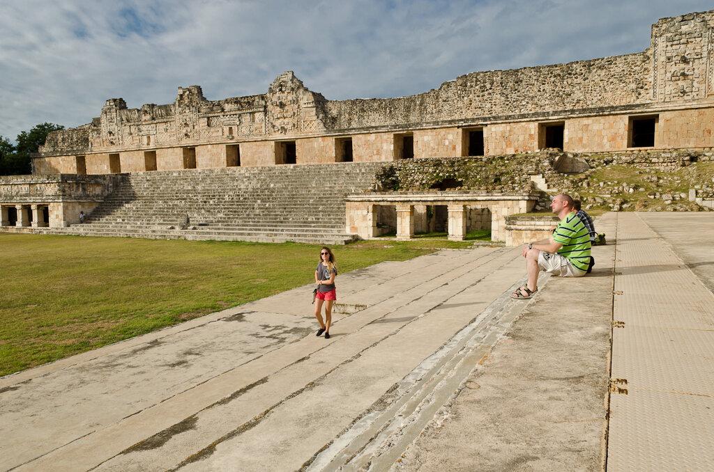 Пирамиды Майя в Мексике. Ушмаль. Мне так нравилось здесь просто сидеть, слушать щебетание птиц в соседних джунглях и думать о своем...