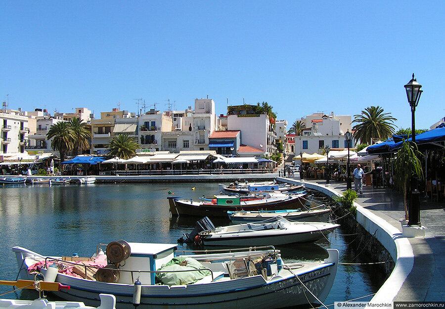 Парковка маломерных судов в Агиос Николаосе, Греция