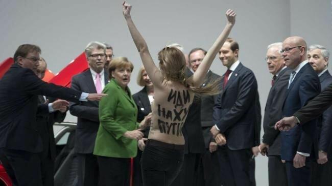 Путину понравились сиськи Femen!
