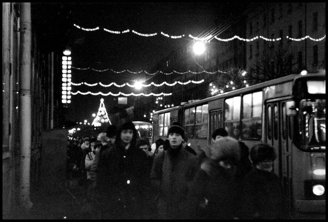 Покупатели на Невском проспекте