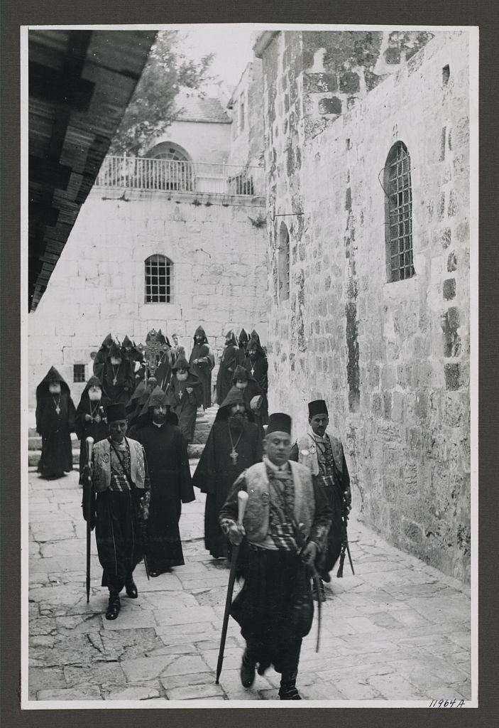 Армянский католикос. 1941.